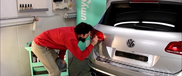 Jak renovovat světla u auta – video
